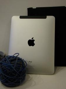 iPad plus yarn